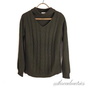 RD s t y l e • cable-knit sweater
